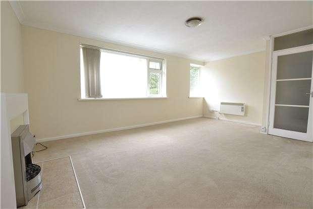 2 Bedrooms Flat for sale in Manor Villas, BATH, BA1 3PF