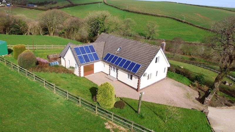 4 Bedrooms Detached House for sale in Parkham, Bideford