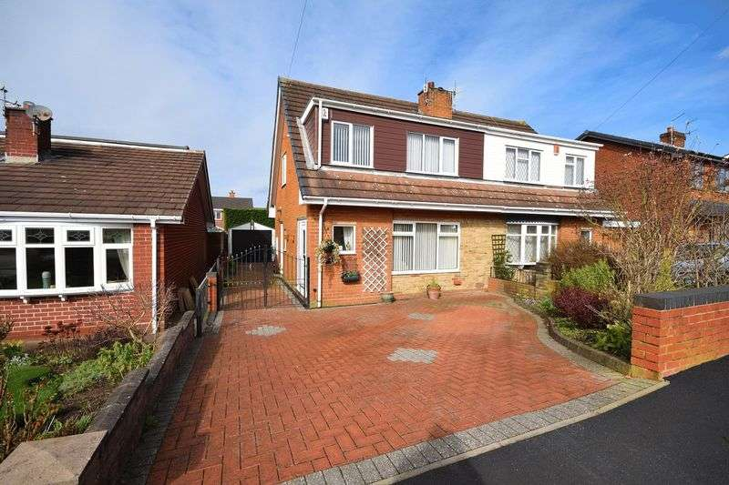 3 Bedrooms Semi Detached House for sale in Wallis Way, Milton