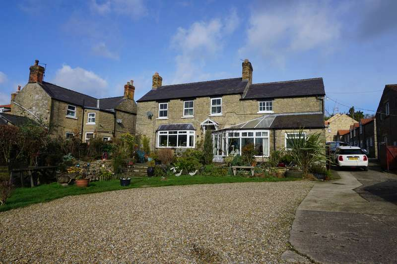 3 Bedrooms Farm House Character Property for sale in High Street, Snainton, YO13 9AE