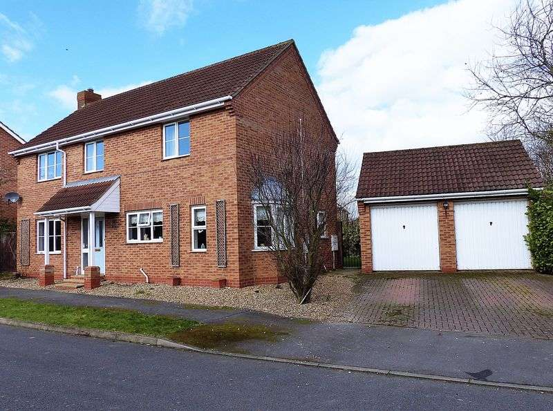 4 Bedrooms Detached House for sale in Hotchkin Avenue, Saxilby
