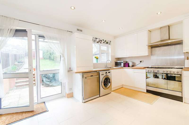 3 Bedrooms House for sale in Whitton Avenue East, Perivale, UB6