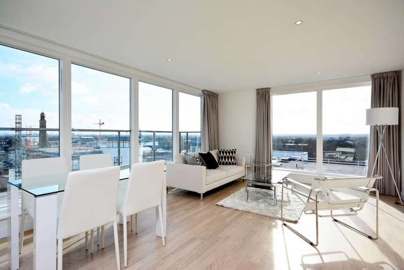 2 Bedrooms Flat for sale in Kew Bridge West, Brentford, TW8