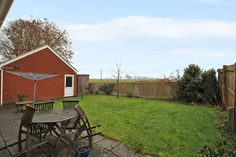 4 Bedrooms Detached House for sale in Lutterworth Road, North Kilworth
