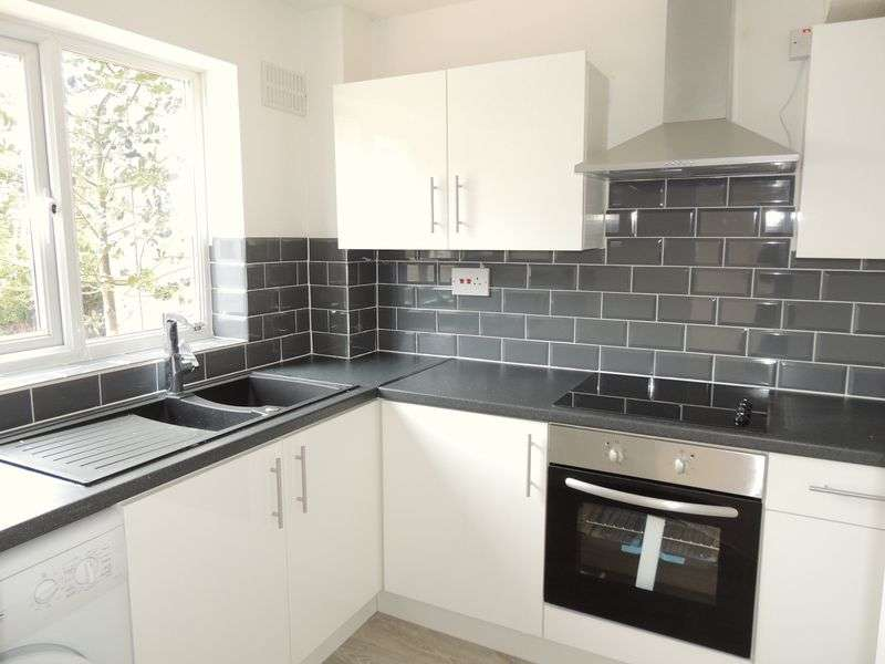 1 Bedroom Terraced House for sale in Princes Court, Longwell Green, Bristol