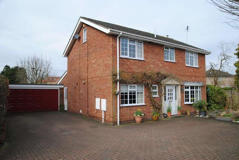 4 Bedrooms Detached House for sale in The Rookery, Scawby, North Lincolnshire