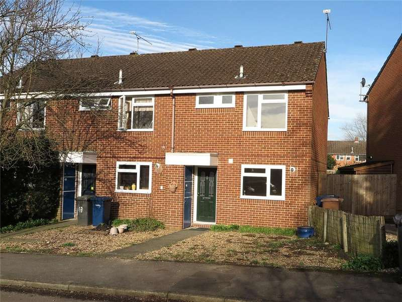 3 Bedrooms Semi Detached House for sale in Bardsley Drive, Farnham, Surrey, GU9