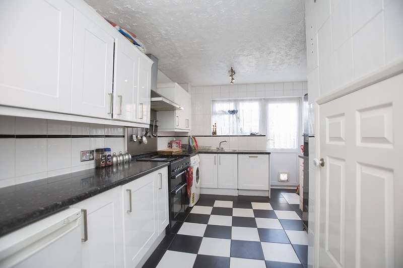 3 Bedrooms Terraced House for sale in Bell Avenue, Romford, Essex, RM3