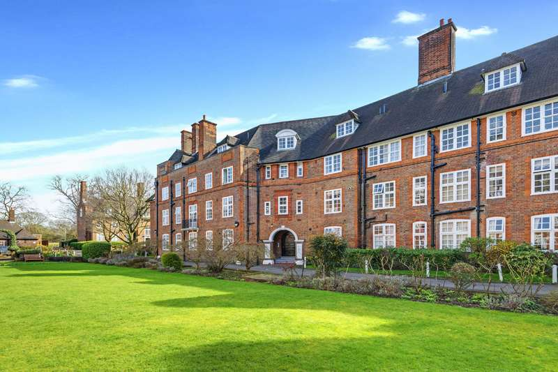 3 Bedrooms Flat for sale in Heathcroft, Hampstead Way