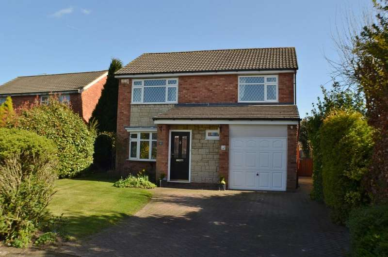 4 Bedrooms Detached House for sale in Berwick Court, Holmes Chapel