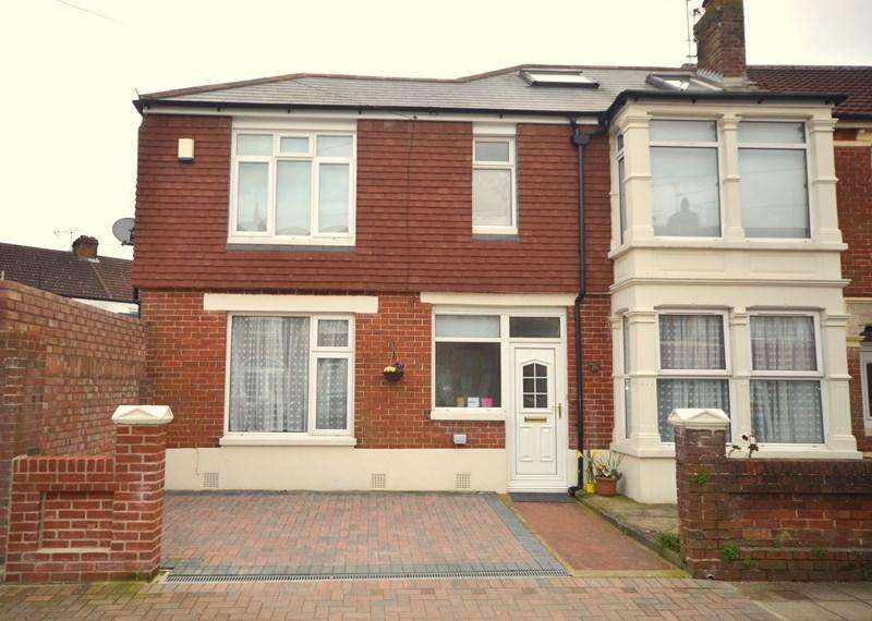 2 Bedrooms Flat for sale in Jenkins Grove, Baffins, Portsmouth