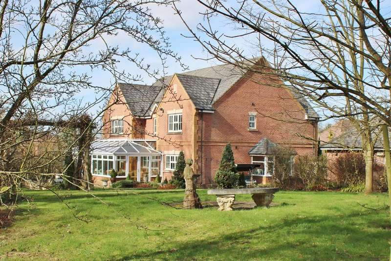 5 Bedrooms Detached House for sale in St Mary's Lane, Burghill, Hereford, HR4