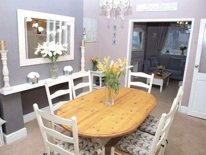 3 Bedrooms Semi Detached House for sale in Lydyett Lane, Barnton, CW8 4JS