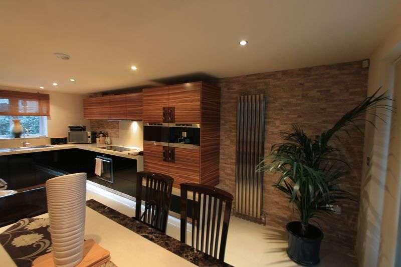 3 Bedrooms Detached House for sale in Kingsbridge Road, Poole