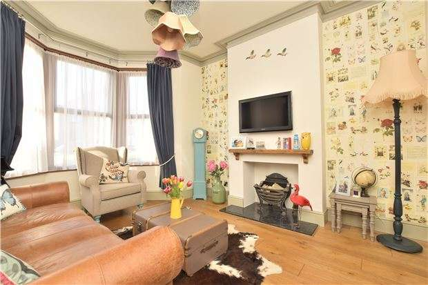 2 Bedrooms Terraced House for sale in Station Road, Warmley, BS30 8XH