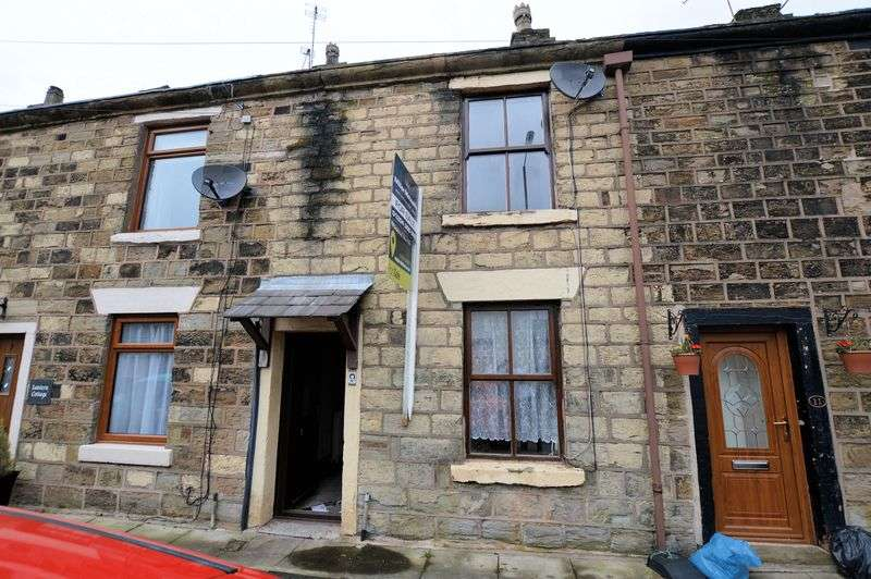 2 Bedrooms Property for sale in Bury Old Road, Bolton