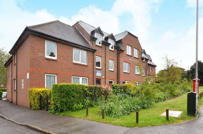 1 Bedroom Flat for sale in Denehyrst Court: **FITTED NEW CARPETS WITH VIEWS OF GARDENS **