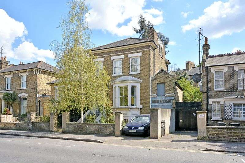 5 Bedrooms Detached House for sale in Victoria Park Road, London E9