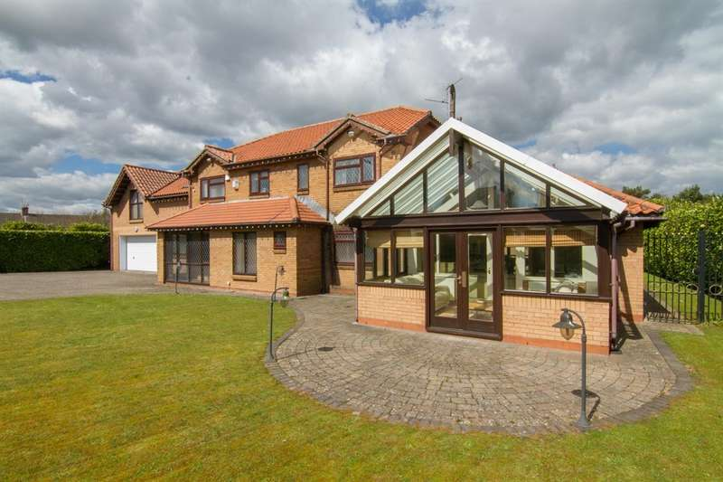 6 Bedrooms Detached House for sale in Wern Fawr Lane, Old St. Mellons, Cardiff