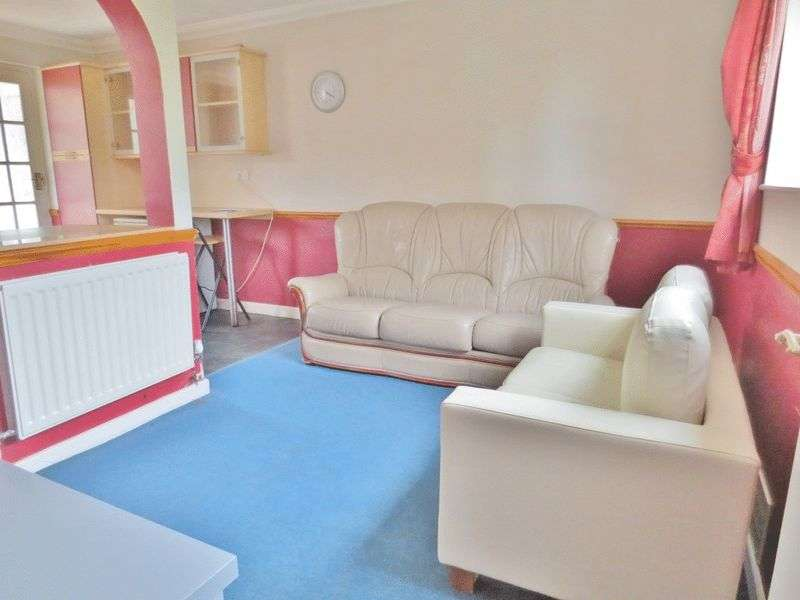 4 Bedrooms Flat for rent in Southall Avenue, Brighton