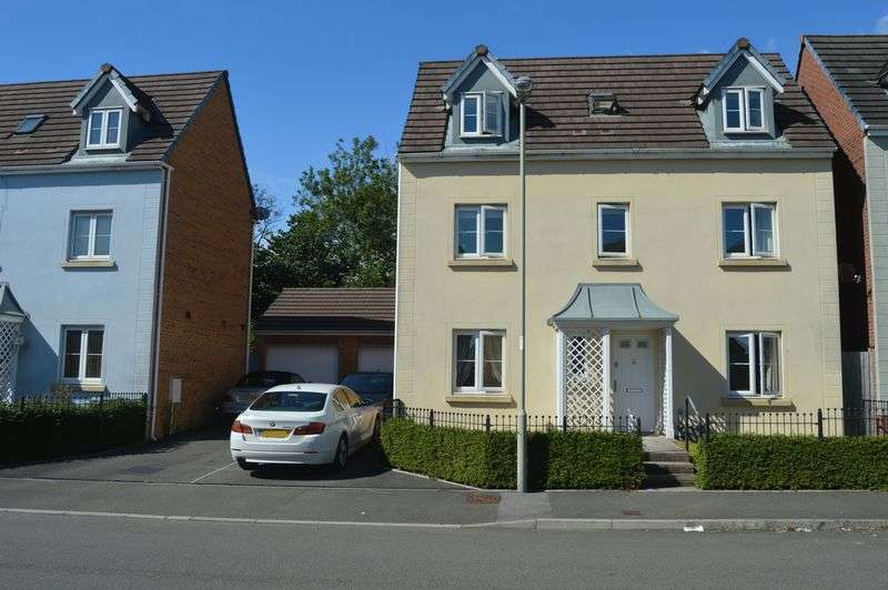 4 Bedrooms Detached House for sale in Longacres, Bridgend, CF31 2DD