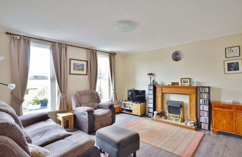 4 Bedrooms Terraced House for sale in Leconfield Street, Cleator Moor