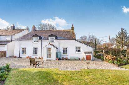 4 Bedrooms Detached House for sale in Torpoint, Cornwall