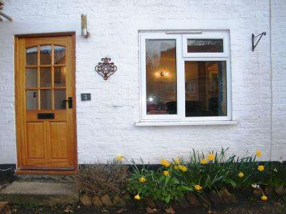 2 Bedrooms Terraced House for sale in Church Street, Birlingham, Pershore, Worcestershire