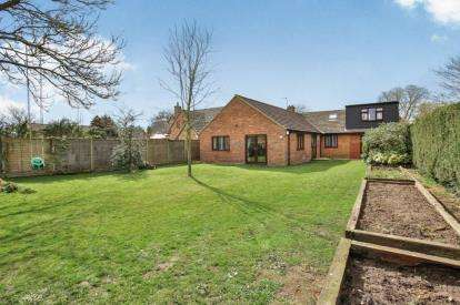 6 Bedrooms Bungalow for sale in Necton, Swaffham, Norfolk
