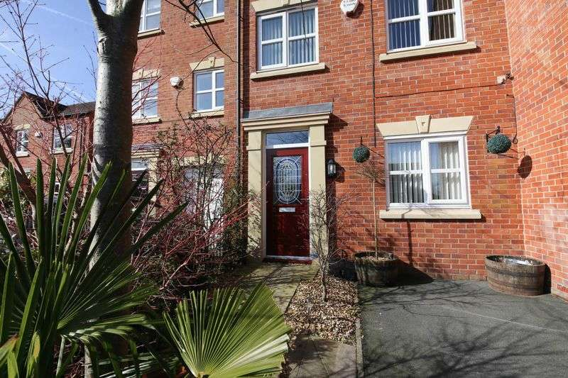 4 Bedrooms Terraced House for sale in Wennington Road, Highfield, Wigan