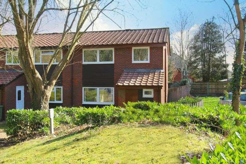 3 Bedrooms Flat for sale in Fosterdown, Godstone