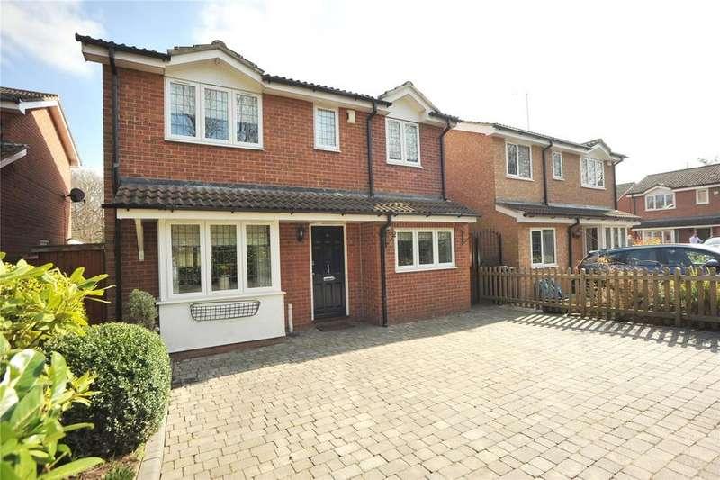 3 Bedrooms Detached House for sale in Wendover Gardens, Brentwood, Essex, CM13
