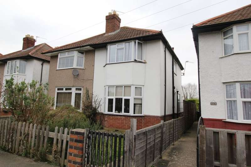 2 Bedrooms Semi Detached House for sale in Pooley Green Road, Egham, TW20
