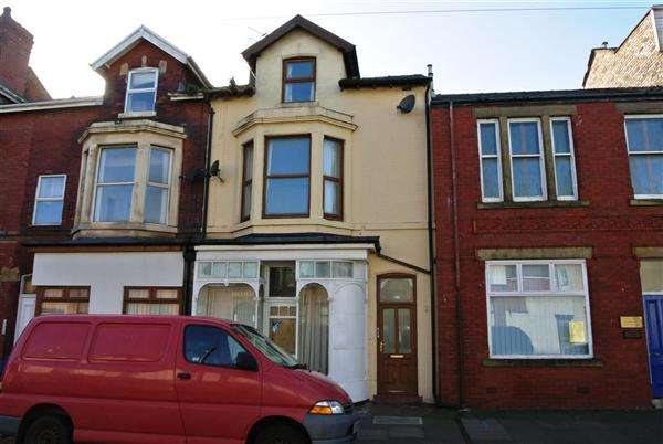 6 Bedrooms Property for sale in North Albert Street, Fleetwood