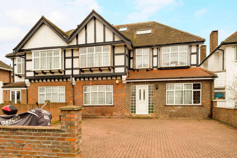 5 Bedrooms Detached House for sale in Robin Hood Way, Kingston Vale, London, SW15