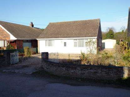 3 Bedrooms Bungalow for sale in Great Cornard, Sudbury, Suffolk