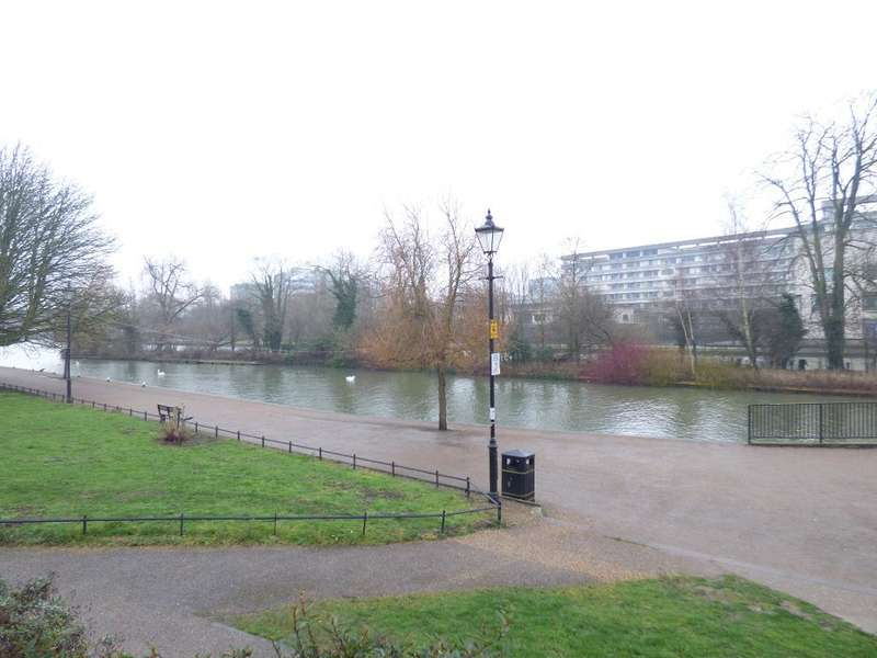 3 Bedrooms Flat for sale in Sovereigns Quay, Bedford, Bedfordshire, MK40 1TF