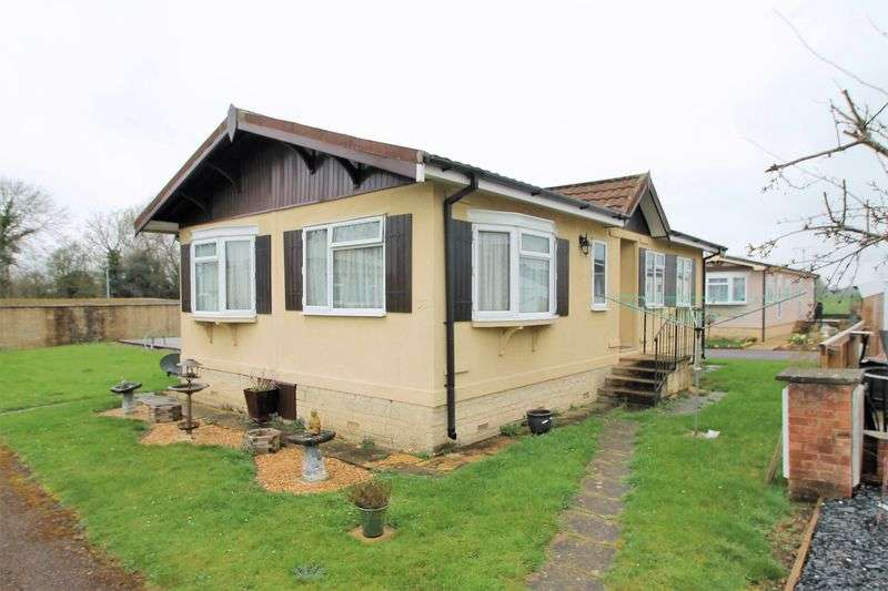 3 Bedrooms Detached Bungalow for sale in Greenacres Park, Meysey Hampton, Gloucestershire.