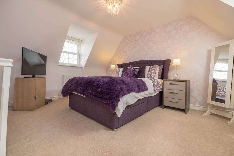 4 Bedrooms Semi Detached House for sale in Hebbes Close, Kempston, Bedford