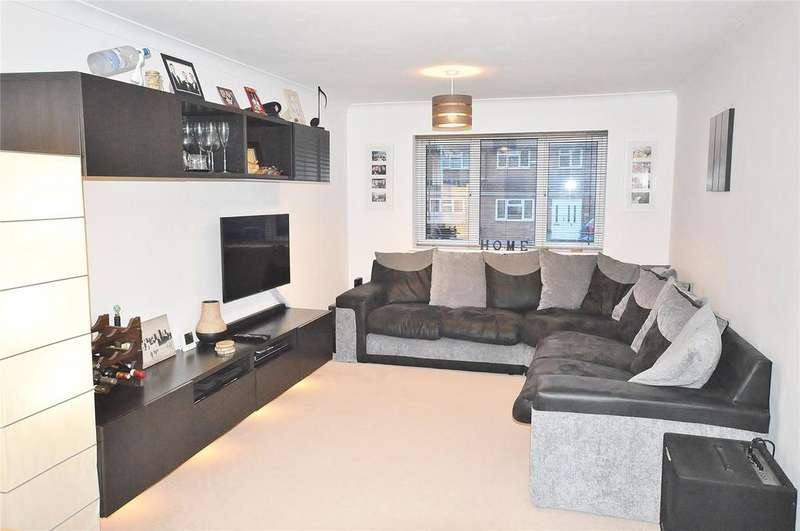 1 Bedroom Apartment Flat for sale in Bembridge Place, Linden Lea, Watford, Hertfordshire, WD25