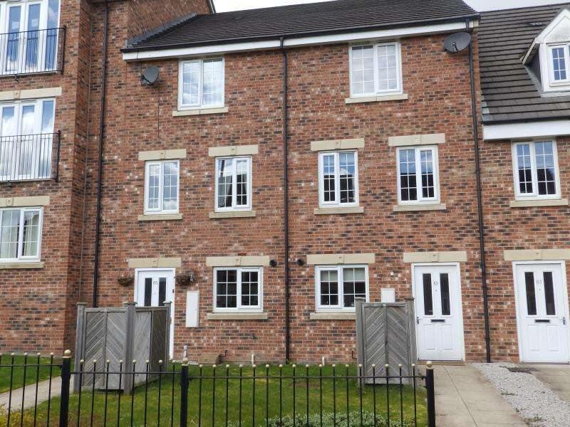 4 Bedrooms Town House for sale in NEW FOREST WAY, NEW FOREST VILLAGE, LEEDS, LS10 4FD