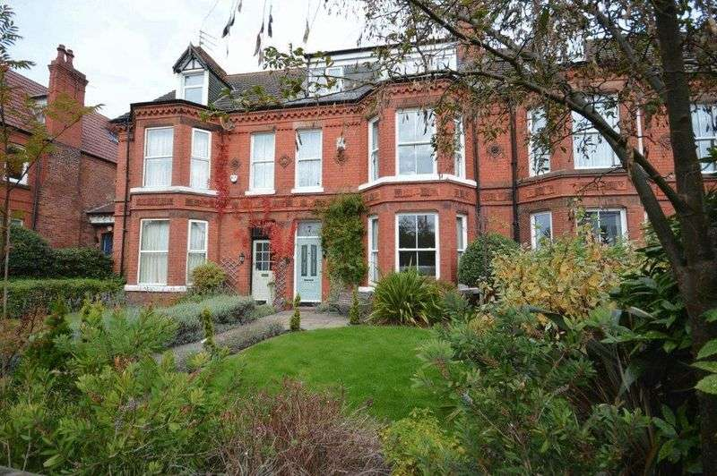 5 Bedrooms Terraced House for rent in Airlie Road, Wirral