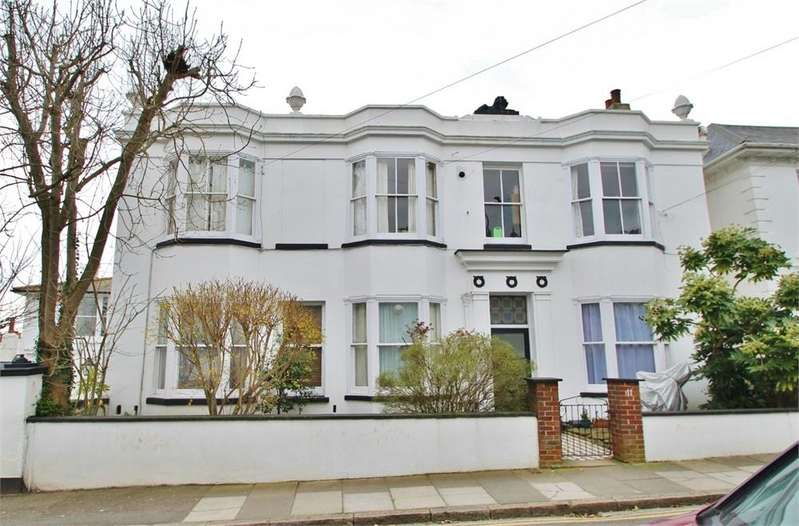 2 Bedrooms Flat for sale in Powis Grove, Brighton, East Sussex