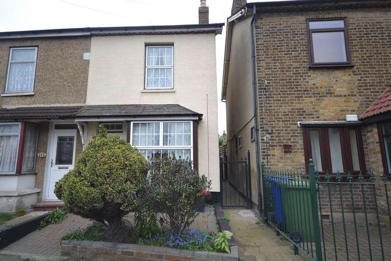 3 Bedrooms Semi Detached House for sale in Victoria Road, Stanford-le-Hope, SS17