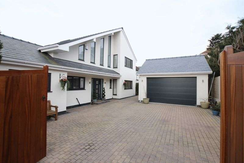 5 Bedrooms Detached House for sale in The Ridge, Heswall, Wirral
