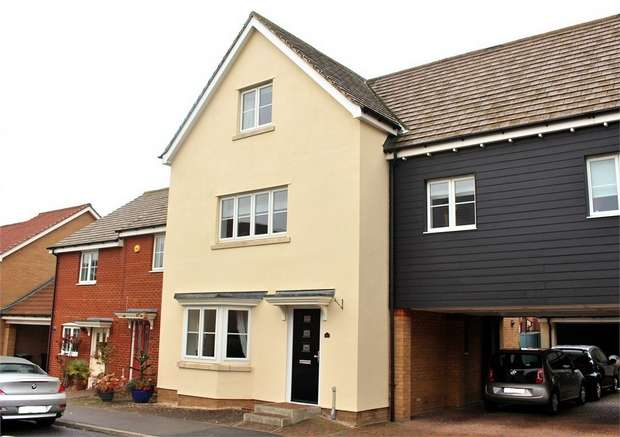 5 Bedrooms Link Detached House for sale in Flitch Green, Dunmow, Essex