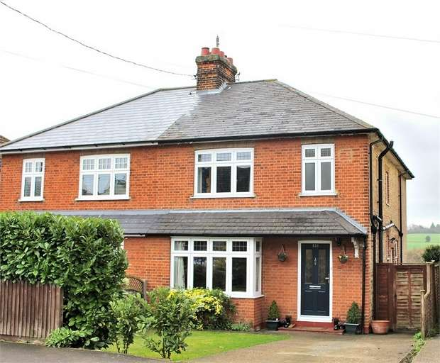 3 Bedrooms Semi Detached House for sale in Bocking, Essex
