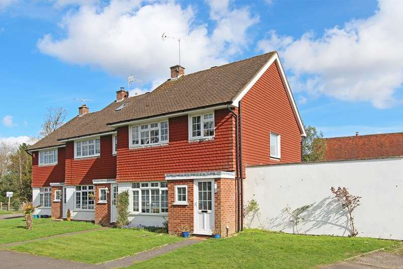 3 Bedrooms End Of Terrace House for sale in Sutton Place, Brockenhurst