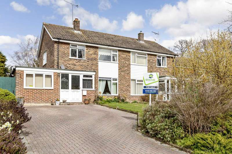 3 Bedrooms Semi Detached House for sale in Smugglers Way, Barns Green