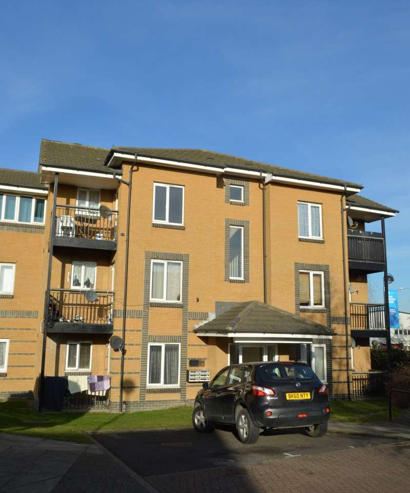 2 Bedrooms Flat for sale in 11 Poseidon Court, Spinnaker Close, Barking, Essex, IG11 0GS